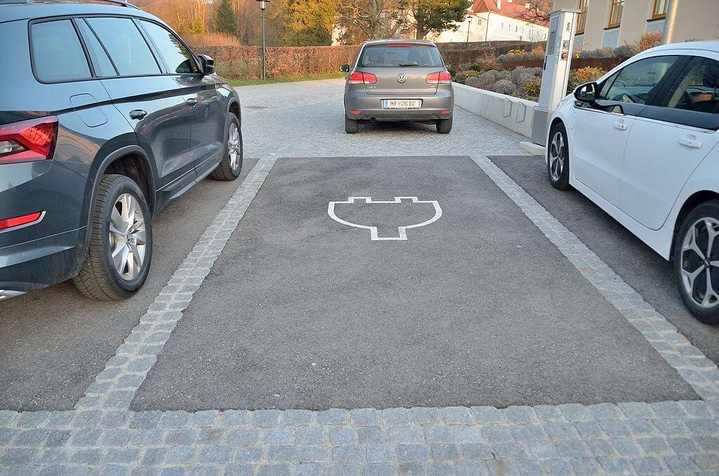 Estaciones_de_carga_de_vehículos_eléctricos