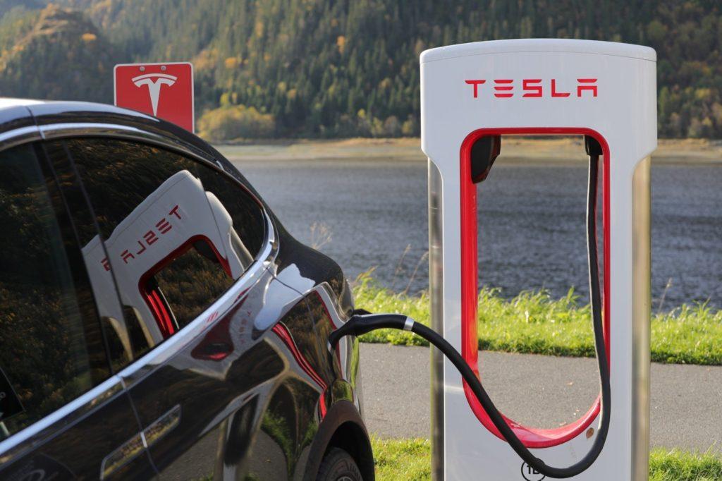¿Cuánto dura la batería de un Tesla?