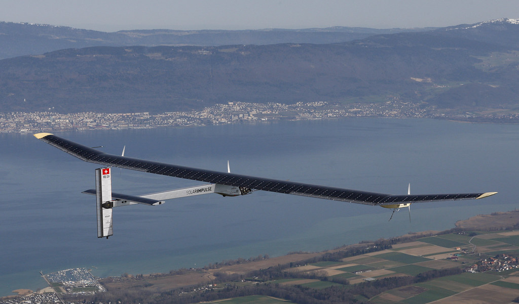 2 Swiss pilots (and 1 French one) Are Attempting The Impossible