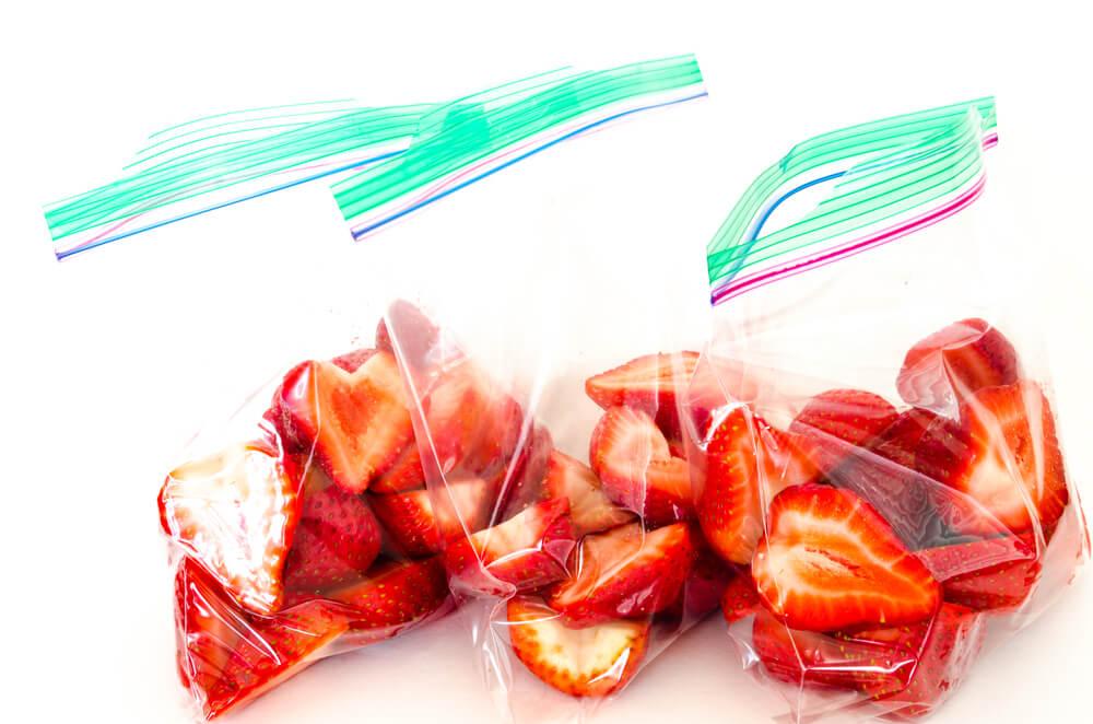 ¿Cómo pueden las bolsas para congeladores ayudar al medio ambiente?